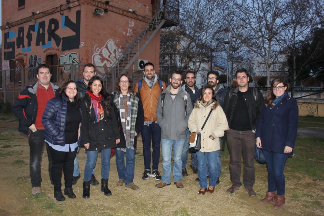 Foto de grupo de algunos de los investigadores con miembros de radios comunitarias